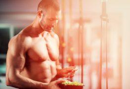 Faut-il absolument manger en grandes quantités pour prendre du muscle ?
