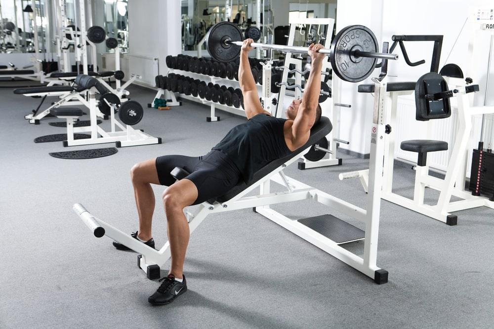 banc de musculation à charges libres